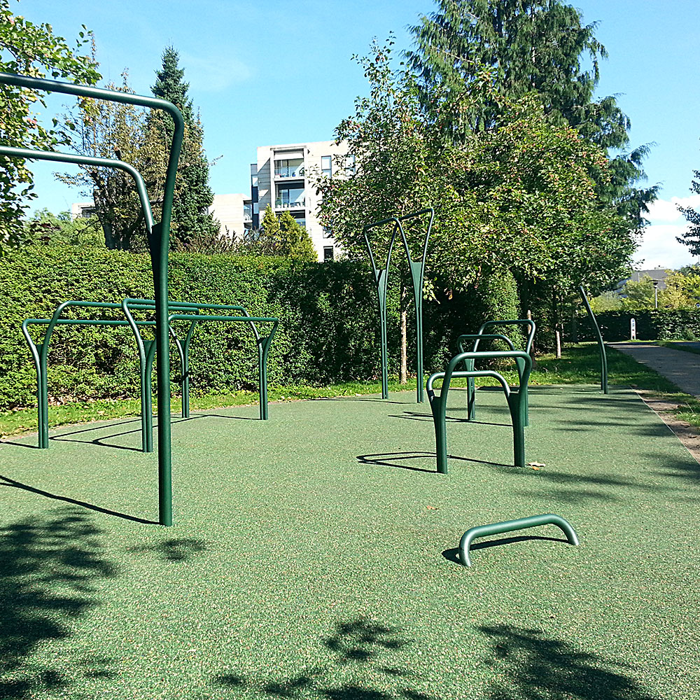 Flotte udendørs træningsredskaber på Frederiksberg kropvægtstræning