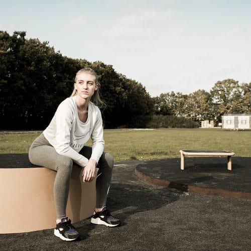 Park og by inventar med gummibelægning på siddefladen Køb bænke her