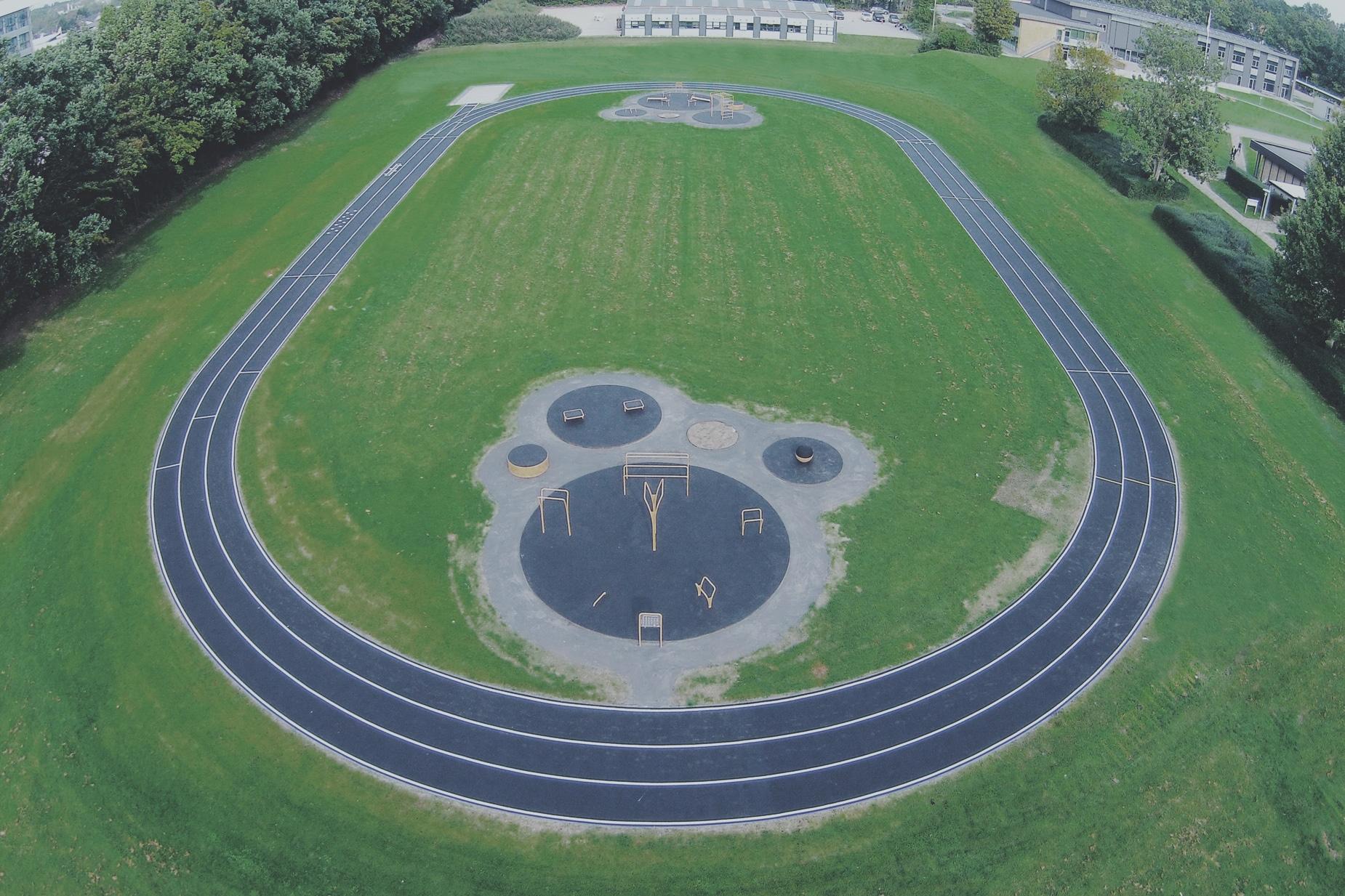 Udendørs motionsredskaber træningspark 200m løbebane helstøbtgummi