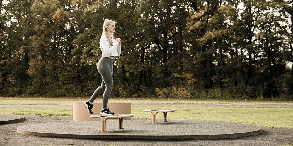 Udendørs fitnessredskab til step øvelser udendørs fitness Se mere her