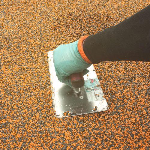 Vedligeholdelse og reparation af faldunderlag, gummibelægninger, gummiasfalt